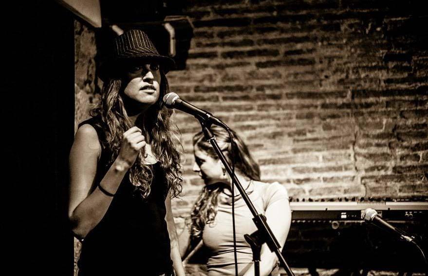 Poesía y terapia se unen en un mágico encuentro en Barcelona
