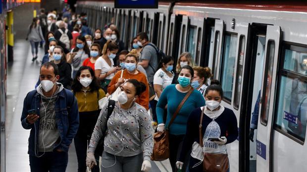 El Govern extiende las restricciones a Barcelona y la Noguera: pide quedarse en casa y prohíbe las reuniones de más de 10 personas